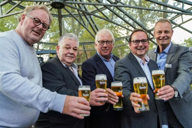 Foto: Eberhard Kühnle, Hans-Wilhelm Zwiehoff, Peter-Arndt Wülfing, Oberbürgermeister Thomas Kufen und Dr. Thomas Stauder bei der Eröffnung des 24. Essener Stadtteilfestes.