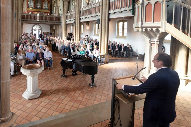 Oberbürgermeister Thomas Kufen besucht das Konzert der Chorgemeinschaft Steeler Chöre