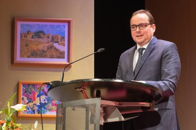 Foto: Anlässlich der Amtseinführung von Martin Löns als Präsident des Landessozialgerichtes sprach Oberbürgermeister Thomas Kufen ein Grußwort.