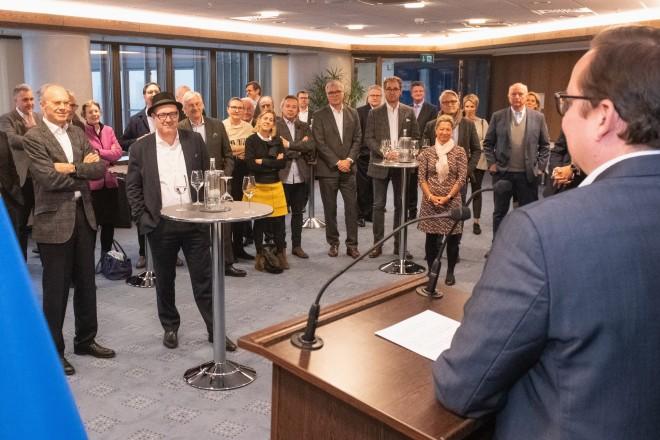 Foto: Oberbürgermeister Thomas Kufen empfängt den Rotary Club im Essener Rathaus. Foto: Moritz Leick, Stadt Essen
