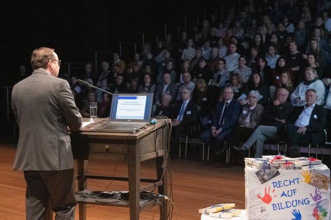 Foto: Oberbürgermeister Thomas Kufen eröffnete die Tagung im PACT Zollverein.