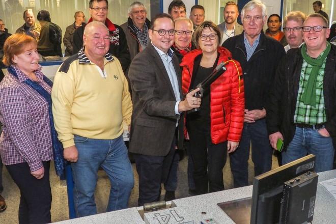 Foto: Einweihung des modernisierten Schießleistungszentrums in Bergeborbeck. Am Schießstand für Langwaffen.