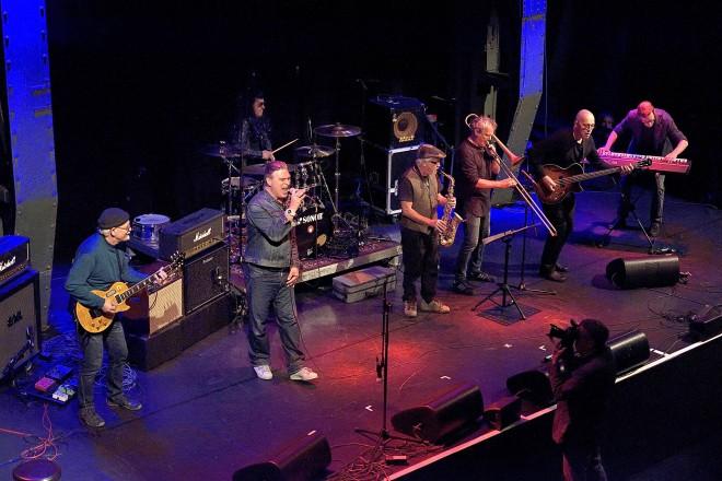 Foto: Konzert der Coaches im Jubiläumsjahr der RockPopSchule – Die FMS-Bandfabrik