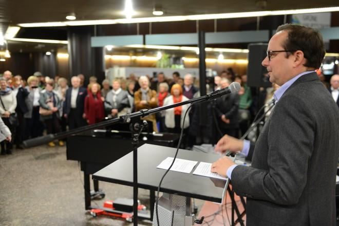 Foto: Oberbürgermeister Thomas Kufen begrüßte die Essenerinnen und Essener zum Rathaus-Jubiläum.