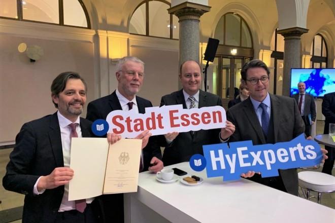 Die Stadt Essen hat den Förderbescheid als Wasserstoffregion in Deutschland des Bundesministeriums für Verkehr und digitale Infrastruktur erhalten.