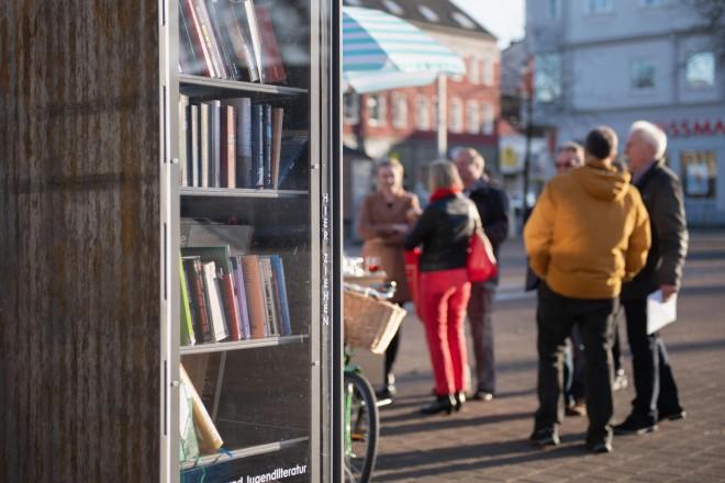 Foto: Neuer Bücherschrank auf dem Markt in Katernberg.