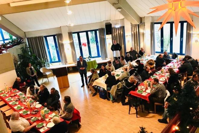 Oberbürgermeister Thomas Kufen besuchte heute die Weihnachtsfeier für Obdachlose.