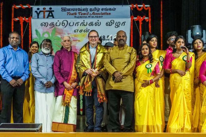 Oberbürgermeister Thomas Kufen auf dem tamilischen Erntedankfest. Foto: Renate Debus-Gohl