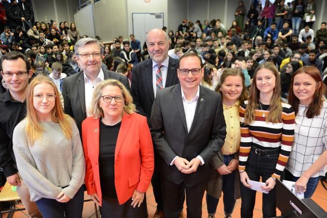 """Foto: """"GENO spricht..."""" mit Oberbürgermeister Thomas Kufen und der Bundesumweltministerin Svenja Schulze."""