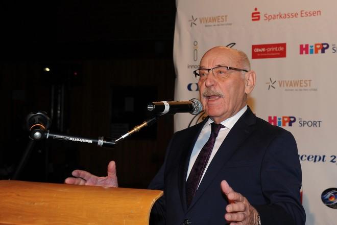 Bürgermeister Rudolf Jelinek besuchte den 25. NWRV Indoor-Cup.