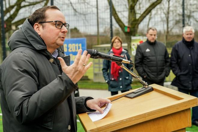 Einweihung des Kunstrasenspielfeld Bezirkssportanlage Hubertusburg