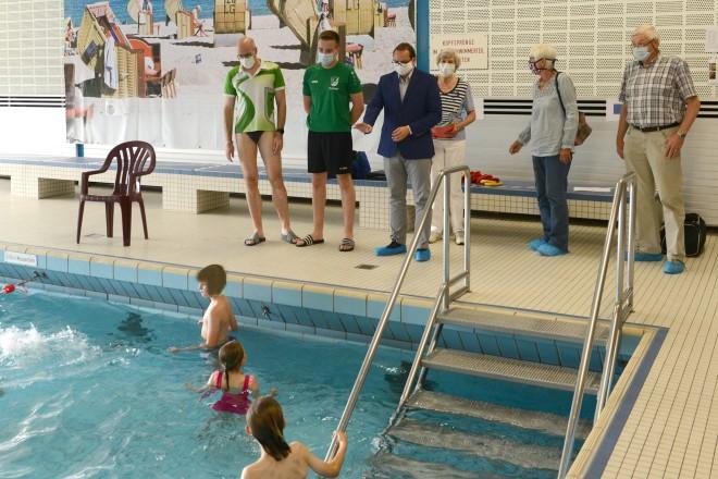 Oberbürgermeister Thomas Kufen besucht die Interessengemeinschaft Kupferdreher Stadtbad e.V.