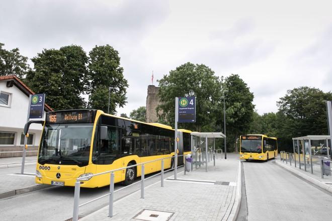 Der neue Busbahnhof Burgaltendorf verfügt unter anderem über Bussteige mit optimierter Einstiegshöhe sowie einem ertastbaren Leitsystem.