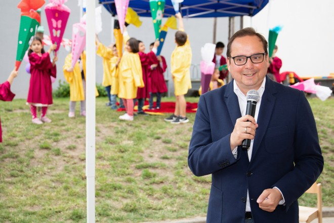 Oberbürgermeister Thomas Kufen bei der Abschlussfeier der angehenden Schulkinder. Moritz Leick, Stadt Essen