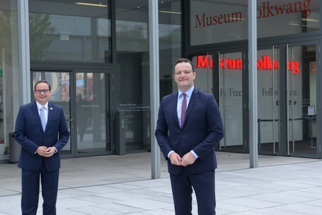 Oberbürgermeister Thomas Kufen begrüßte Bundesgesundheitsminister Jens Spahn im Museum Folkwang.