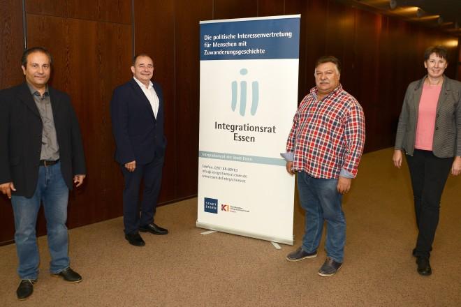 v.l.n.r : Yilmaz Günes (stellv. Vorsitzender des Integrationsrates), Miguel Martin González Kliefken (Vorsitzender des Integrationsrates), Mehmet Akbulut (stellv. Vorsitzender im Integrationsrates) und Anja Wieland (Geschäftsführerin des Integrationsrates)