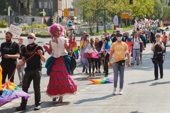 Foto: Die RUHR-CSD-Demonstration auf der Schützenbahn.