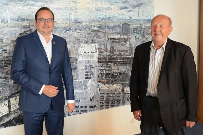Oberbürgermeister Thomas Kufen empfängt Werner Dieker