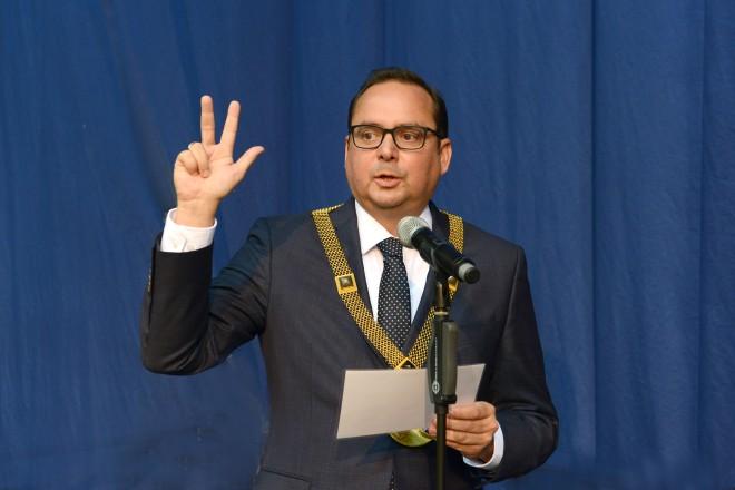 Oberbürgermeister Thomas Kufen wurde für eine neue Amtszeit vereidigt.