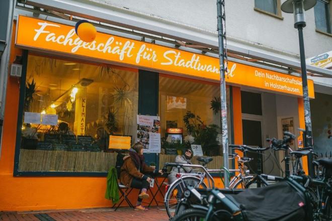 Das Fachgeschäft für Stadtwandel in Holsterhausen freut sich über den zweiten Platz beim Heimat-Preis 2020.
