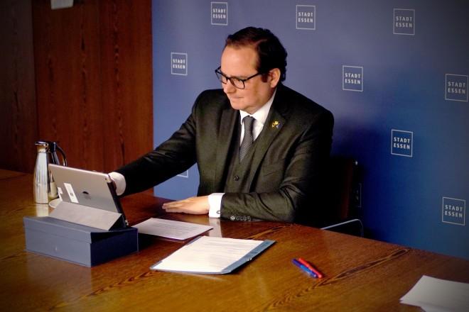Oberbürgermeister bei der virtuellen Israel-Delegationsreise.
