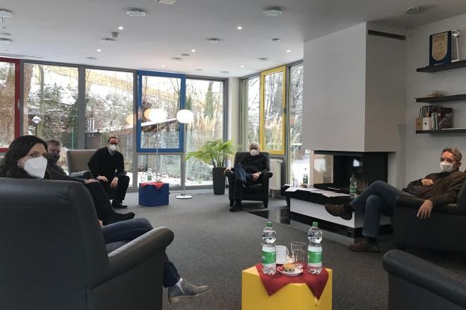 Oberbürgermeister Thomas Kufen und Sozialdezernent Peter Renzel besuchten das Markus-Haus Essen in Frohnhausen.