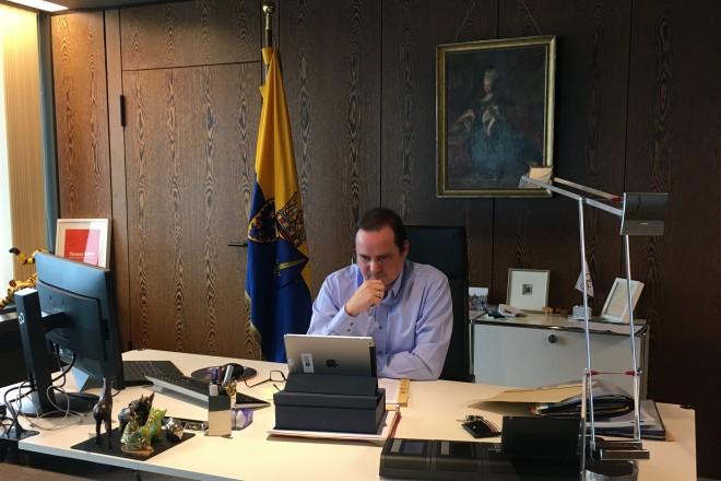 Oberbürgermeister Thomas Kufen bei der digitalen Vorstandssitzung des Städtetags NRW