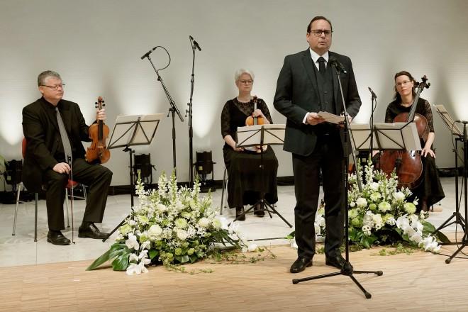 Oberbürgermeister Thomas Kufen beim Konzert der Essener Philharmoniker zum Gedenken an die Opfer der Corona-Pandemie.