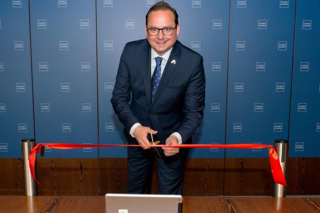 Oberbürgermeister Thomas Kufen eröffnet den 17. Deutschen Kinder und Jugendhilfetag.