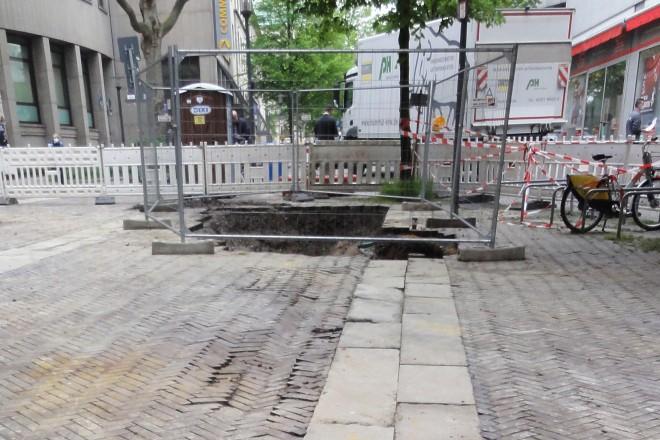 Blick über die Baugrube in der Lindenallee