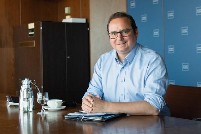 Foto: Oberbürgermeister Thomas Kufen nimmt digital an der Austragung des Essener Bürgerforums teil. Es geht um die Frage der Mobilitätsgestaltung in der Stadt.