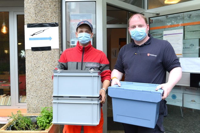 Foto: Lieferung Impfstoff bei der Impfaktion im Stadtteil Altenessen