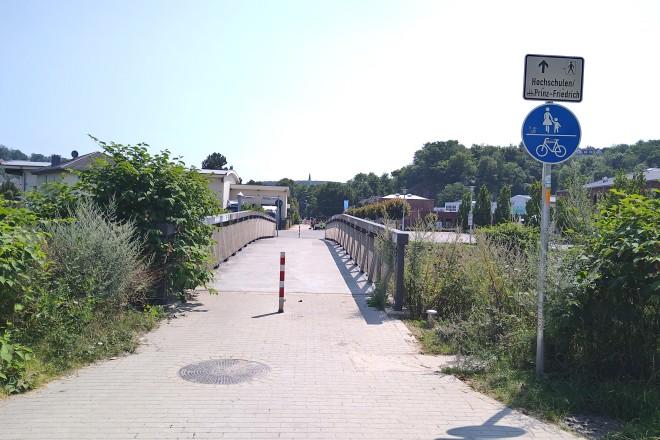 Foto: Fußgängerbrücke in der Nähe der Prinz-Friedrich-Straße