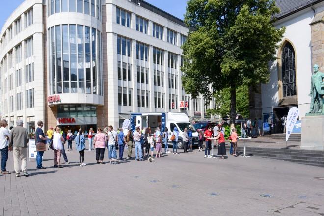 Dezentrale Impfaktion in der Essener Innenstadt. Shoppen und Impfen kommt gut an.