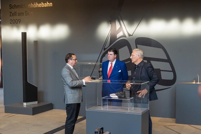 """Ausstellungseröffnung """"Form Equals Function. Design by Studio F. A. Porsche"""" des Red Dot: Design Team of the Year 2021"""