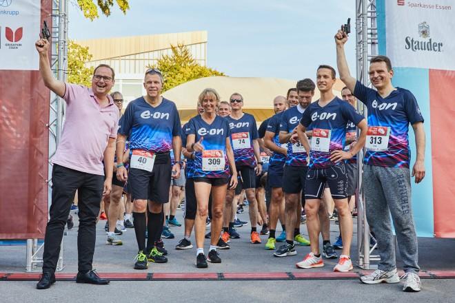 Oberbürgermeister Thomas Kufen und Leonard Birnbaum, CEO E.ON, gaben den Startschuss zum diesjähirgen Firmenlauf.