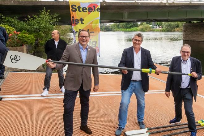 Steele Stegeinweihung. v.l.n.r : Oberbürgermeister Thomas Kufen, Pastor Heiner Mausehund und Vereinspräsident Dirk Junker.