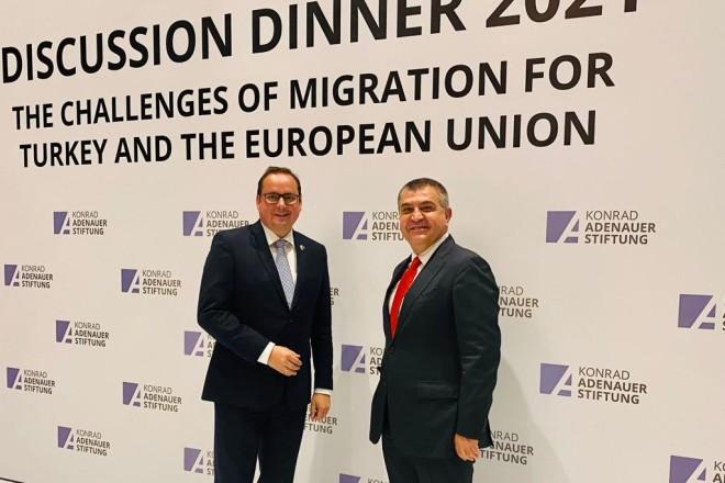 Foto: Das Essener Stadtoberhaupt traf den türkischen Vize-Außenminister Faruk Kaymakçı (re.)