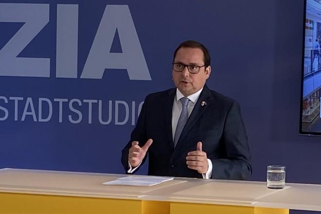 Oberbürgermeister Thomas Kufen begrüßt zur ZIA - Tag der Handelsimmobilie.