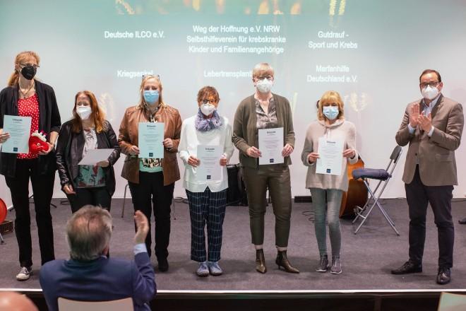 8. Selbsthilfepreis der Stadt Essen: Fünf Gruppen bekamen durch Oberbürgermeister Thomas Kufen eine Auszeichnung.