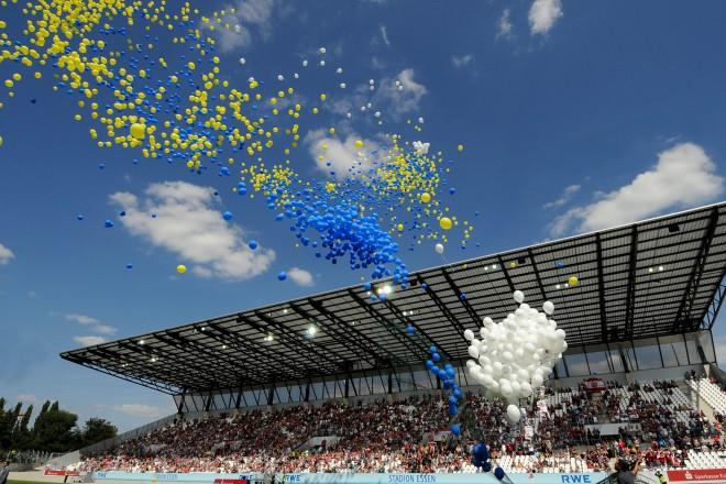 """Eröffnungsfeier """" Stadion Essen """" August 2012 Foto: Elke Brochhagen; Stadt Essen"""