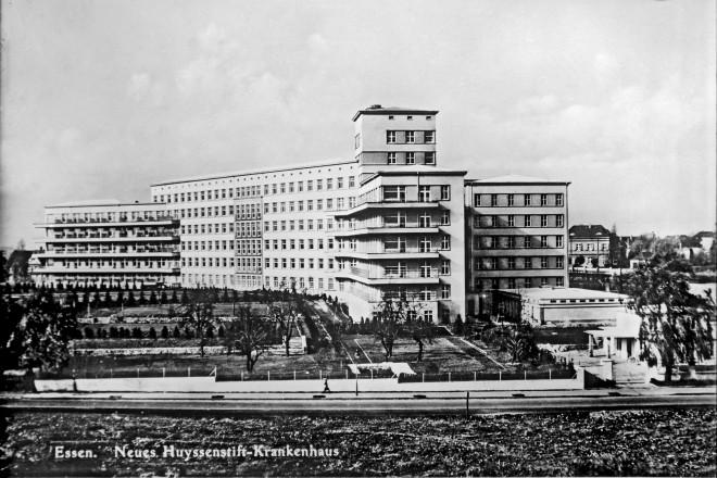 Huyssenstift (Krankenhaus im Moltkeviertel), kurz nach Fertigstellung um 1937