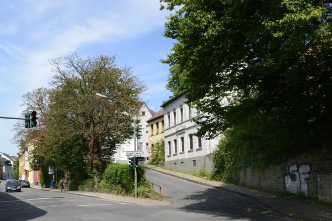 Kupferdreherstrasse- Ecke Dixbäume