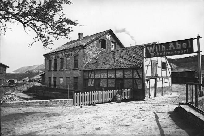 Mühle Schlenhofstrasse Möbeltransport Wilh. Abel, um 1900