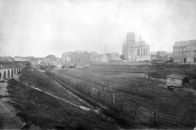 Essen, Nordviertel mit St. Gertrud Kirche (Einweihung1887) von NW, um1890