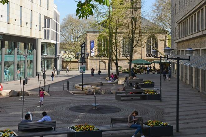 Kardinal-Hengsbach-Platz