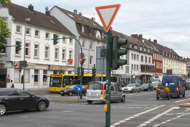 Stadtwaldplatz, Frankenstraße Ecke Heisinger Straße