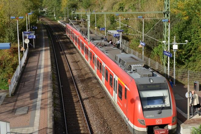 Am Bahnhof Holthausen