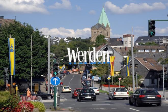 Foto: Essen-Werden Abteistraße mit Blick auf die Basilika