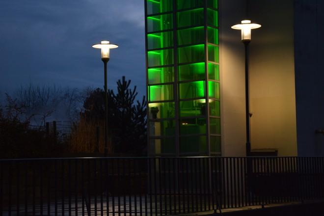 Grugaturm mit Parkbeleuchtung